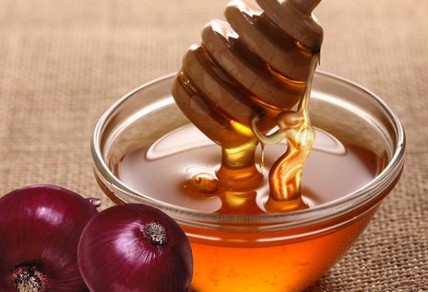 Ингредиенты для компресса из мёда и лука