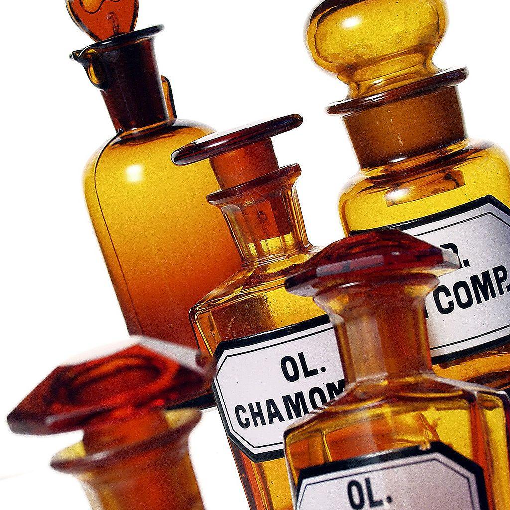 Эфирные масла во флаконах