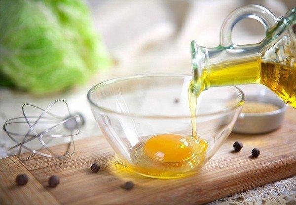 Желток с оливковым маслом