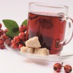 Настой шиповника, сахар, ягоды шиповника