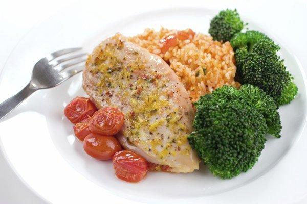 Курица, рис и овощи