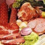 Колбасы и жирное мясо