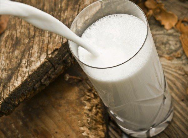 Молоко в стакане