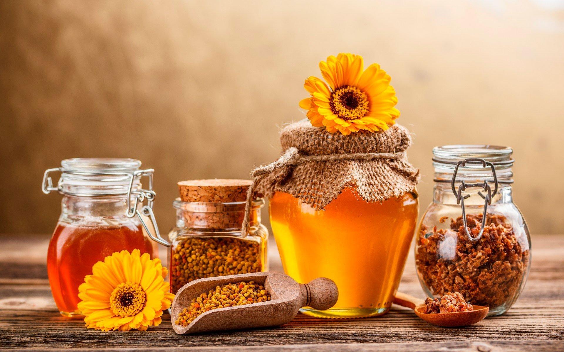 Мёд и прополис помогут восстановить потенцию