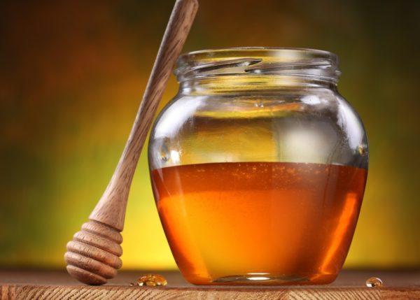 Мёд в банке и ложка-веретено