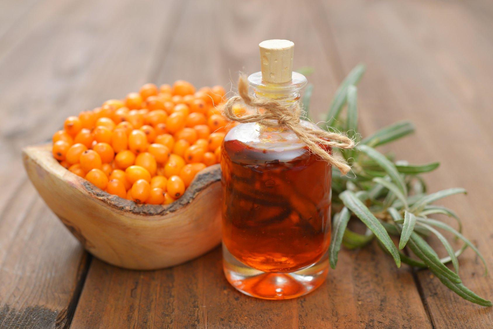 Облепиха и масло из ягод