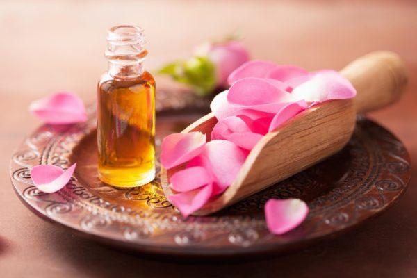 Лепестки роз и масло