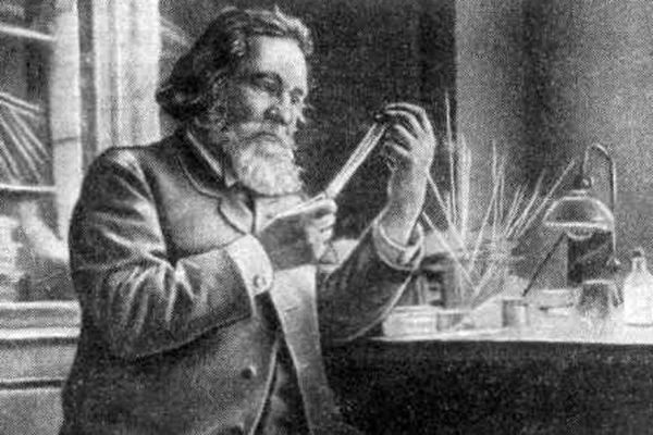 Илья Мечников в лаборатории