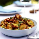Картофельный салат с лисичками
