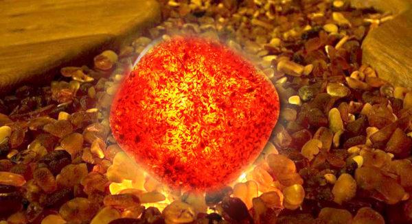 Янтарь — светящий камень среди мелких камешков
