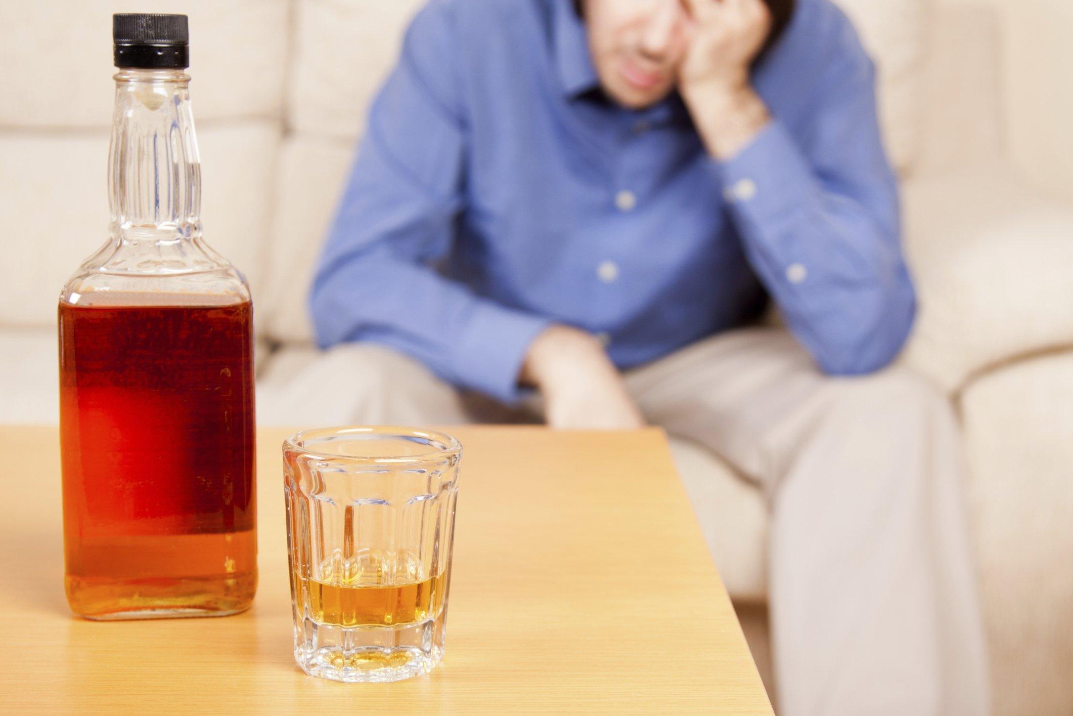 Алкогольное отравление: как справиться в домашних условиях