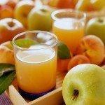 Натуральные осветлённые соки и свежие фрукты